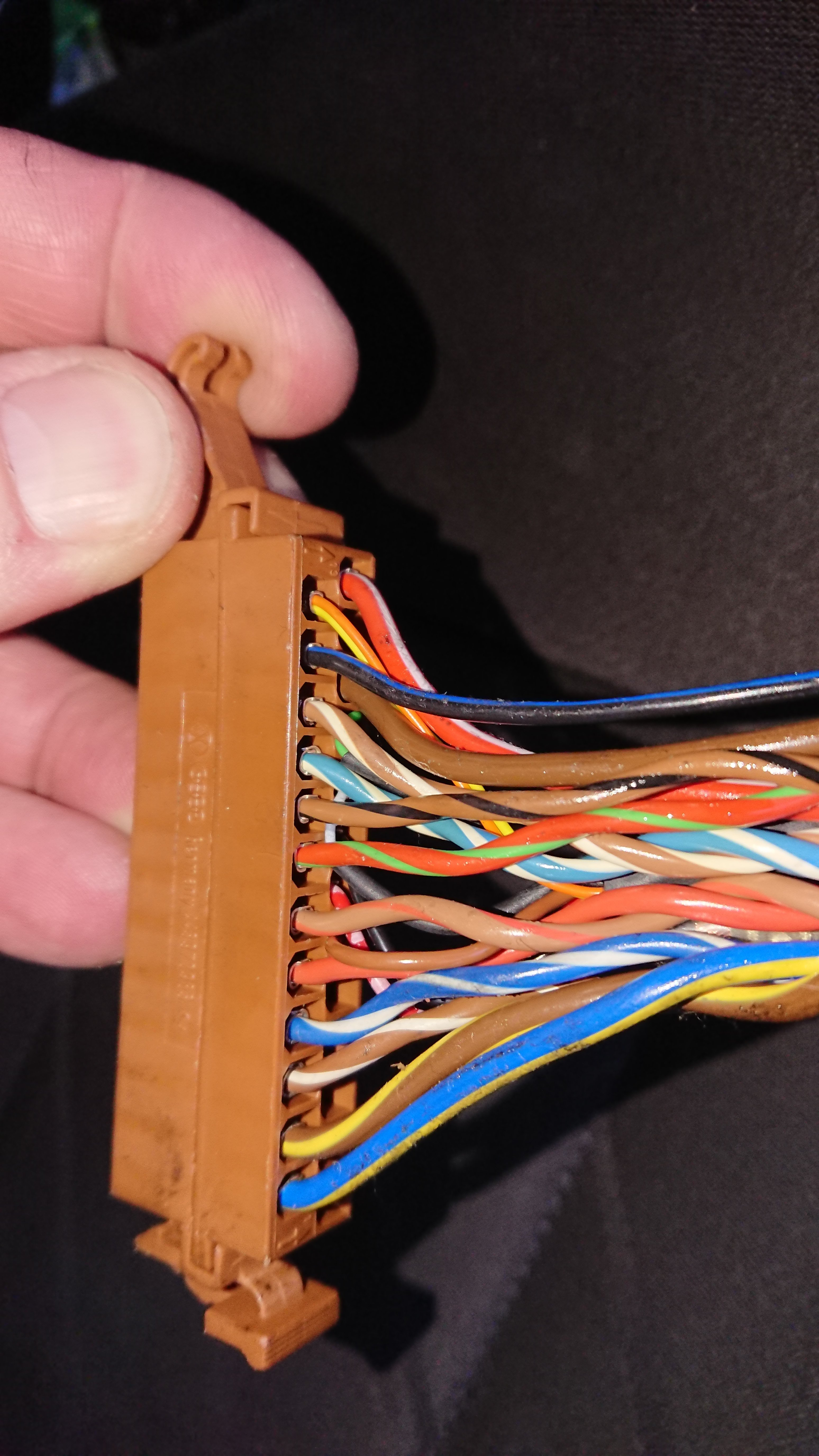 Bose Retrofit Help Audi A2 Owners Club Link Cable Wiring Diagram Connection In Particular For The Connector That Plugs Into Amp And Do I Need To Add Another Bring On Logo Stereo